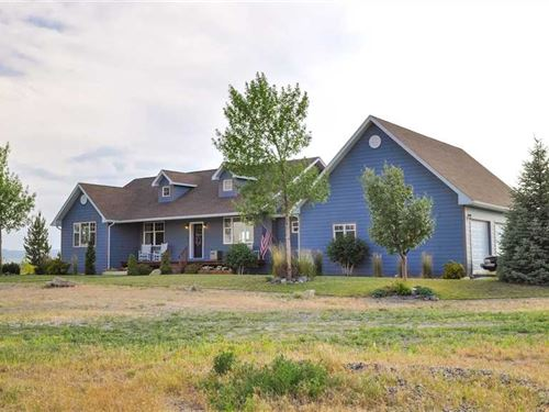 Five Bedroom, Four Bath Home on 8 : Powell : Park County : Wyoming