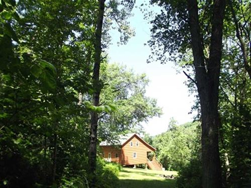 Cabin in The Woods, 47 Acres, Gran : Boscobel : Grant County : Wisconsin