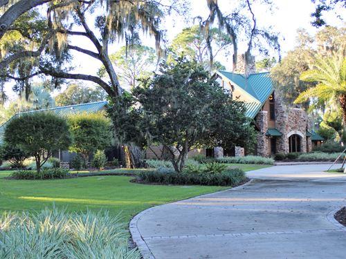Striking Home On 19.75 Acres : Leesburg : Lake County : Florida