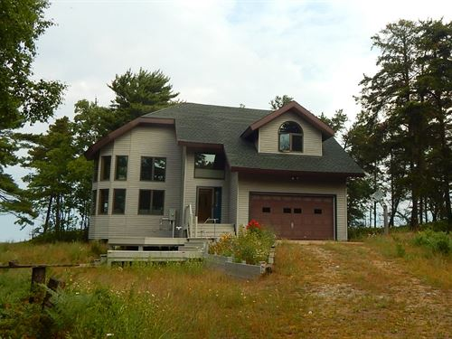 Lake Superior Frontage And Home : Paradise : Chippewa County : Michigan