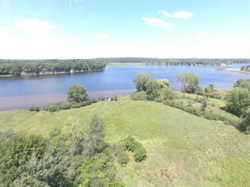 Swan Lake Frontage Lot For Sale : Pardeeville : Columbia County : Wisconsin