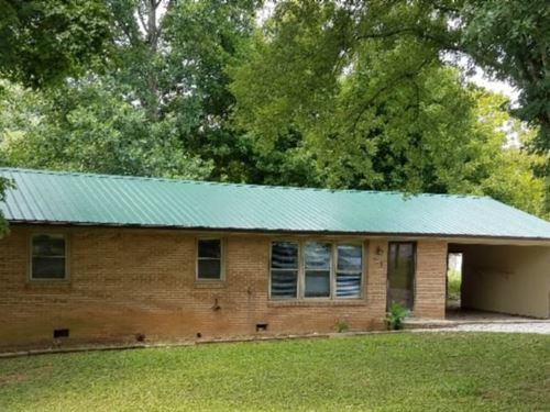 1+ Ac, Brick Ranch In A Small Rural : Celina : Clay County : Tennessee