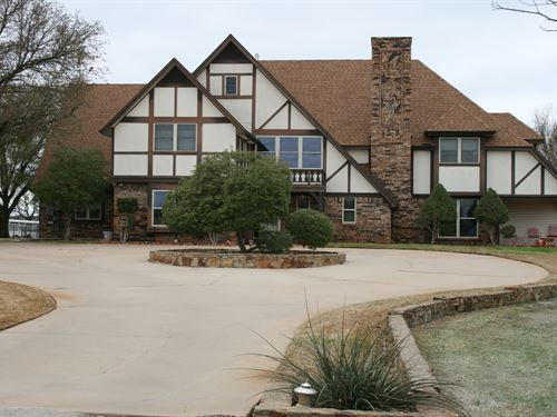 Mineral Wells Estate, 36 Acres : Mineral Wells : Palo Pinto County : Texas