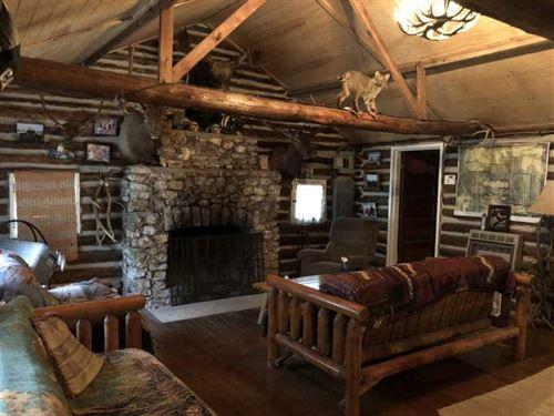 Big Caves & Unique Hunting Lodge/P : Dixon : Pulaski County : Missouri