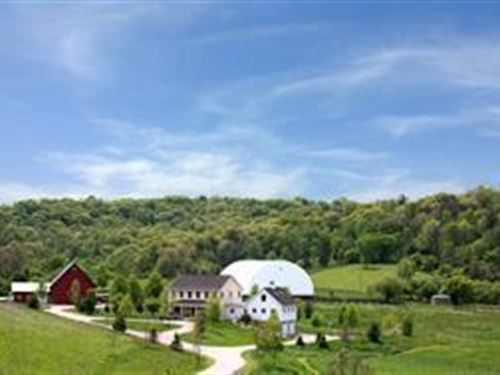 180 Acres Of Beauty W Indoor Arena : Dodgeville : Iowa County : Wisconsin