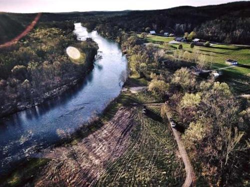 Current Riverfront Land For Sale : Van Buren : Carter County : Missouri