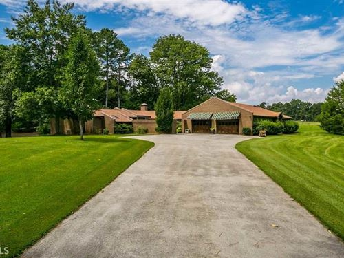 Unique, Custom Ranch Home On 33 Ac : Conyers : Rockdale County : Georgia