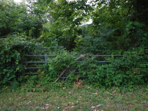 6.04 Ac Country Setting, Barn, Gate : Cookeville : Putnam County : Tennessee