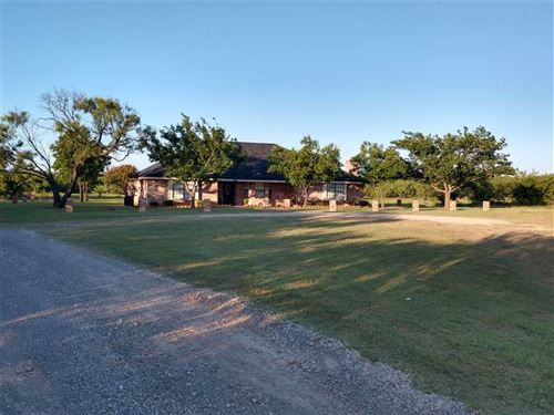 Fantastic 4 Bedroom 3 Bath Home : Archer City : Archer County : Texas