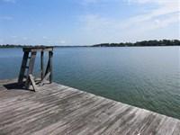 Spacious Home on 1.2 Acre Lot With : Saint Joseph : Tensas Parish : Louisiana