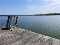 1.2 Acre Lot, Spacious Home WI : Saint Joseph : Tensas Parish : Louisiana
