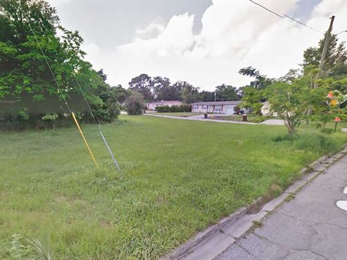 Corner Lot In Florida Neighborhood : Lake Whales : Polk County : Florida