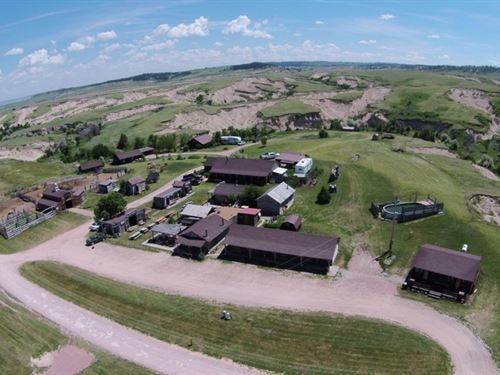 Auction, High Plains Homestead : Crawford : Sioux County : Nebraska