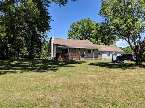 Barn, Farmhouse and Plenty Of Land : Richland : Oswego County : New York