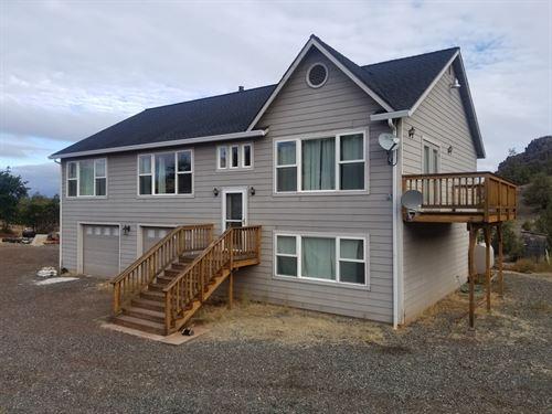 Siskiyou County Norcal Home Acreage : Montague : Siskiyou County : California