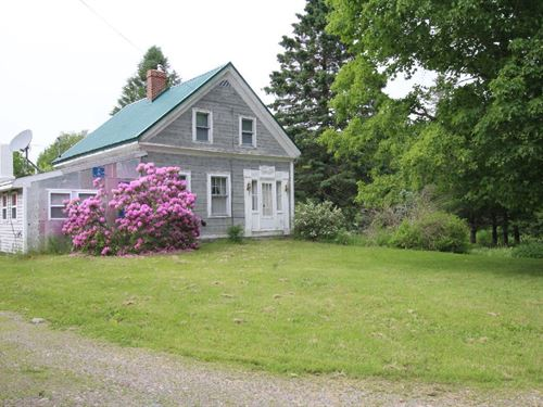 Maine Country Farmhouse Robbinston : Robbinston : Washington County : Maine