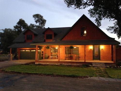 Lake Minatare Home And Acreage : Minatare : Scotts Bluff County : Nebraska