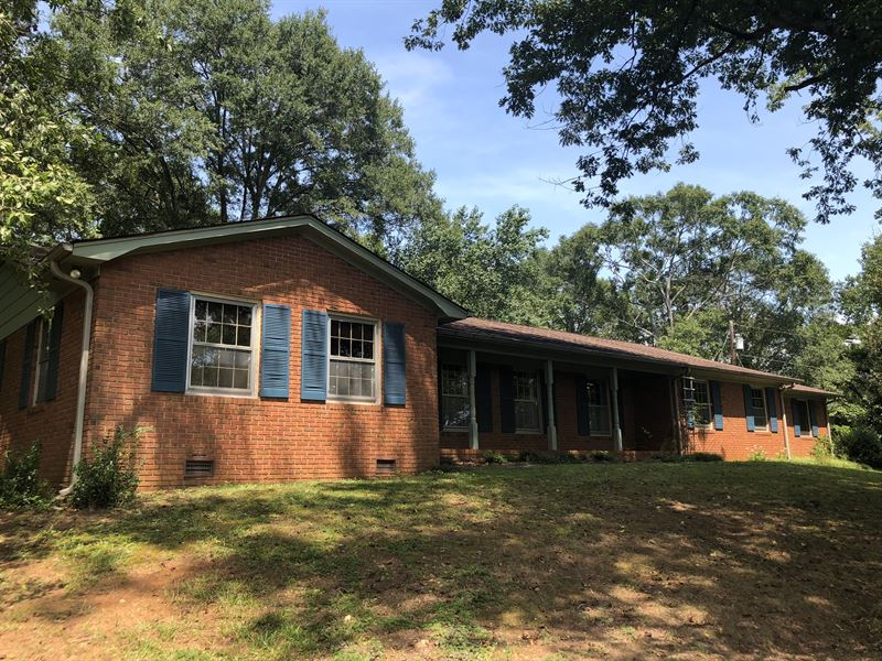 Equestrian Property : Liberty : Pickens County : South Carolina
