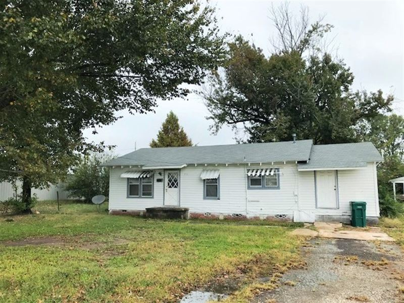 City Lot With Prime Frontage : De Kalb : Bowie County : Texas