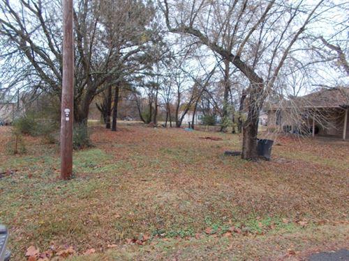.17 Acre City Lot : De Kalb : Bowie County : Texas