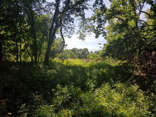 30 Acres of Timber Along Little LA : Parsons : Labette County : Kansas