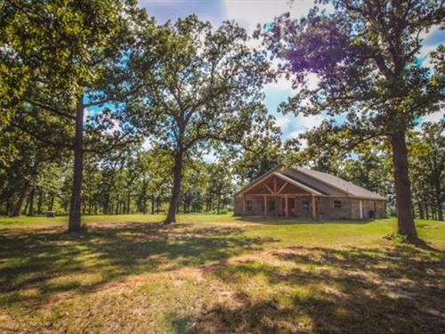 Custom Ranch Home On 240 Acres : Avery : Red River County : Texas