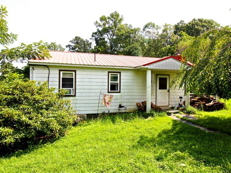 104+/- Acres Land, Ranch Home : Benton : Columbia County : Pennsylvania