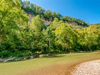 Paint Rock Farm On Harpeth River : White Bluff : Cheatham County : Tennessee