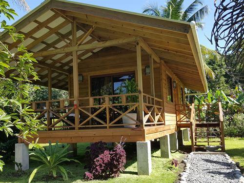 2 New Affordable Coastal Cabins : Carenero : Panama