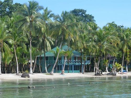 Oceanfront Resort Beach Isla : Carenero : Panama