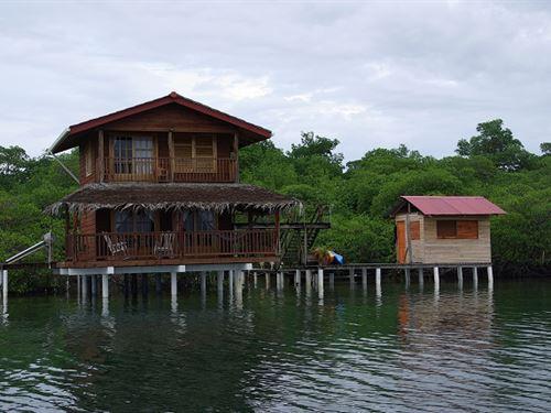 Two Panama Coastal Oceanfront Homes : Bastimentos : Panama