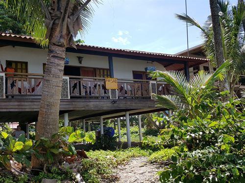 Titled Oceanfront Coastal Home : Bastimentos : Panama