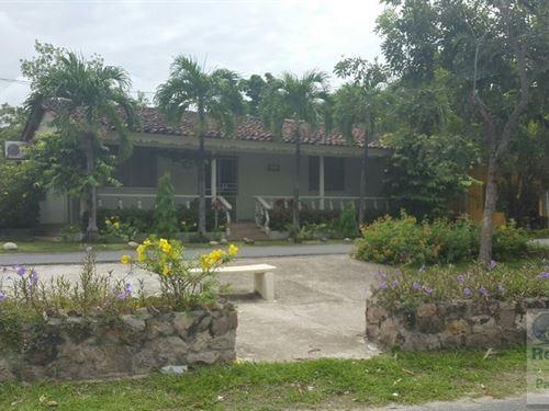 Commercial House Down Town San : San Carlos : Panama
