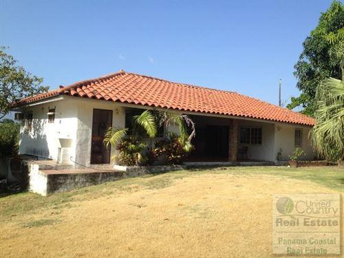 Houses For Sale in Panama Gorgona : Chame : Panama