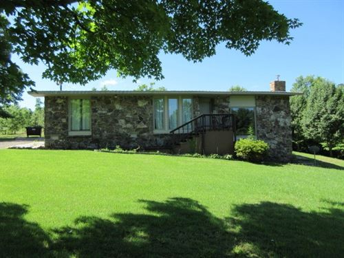 Nice Secluded City Home River : Clinton : Van Buren County : Arkansas