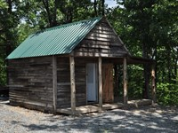 Country Cabin in The Ozarks : Clinton : Van Buren County : Arkansas