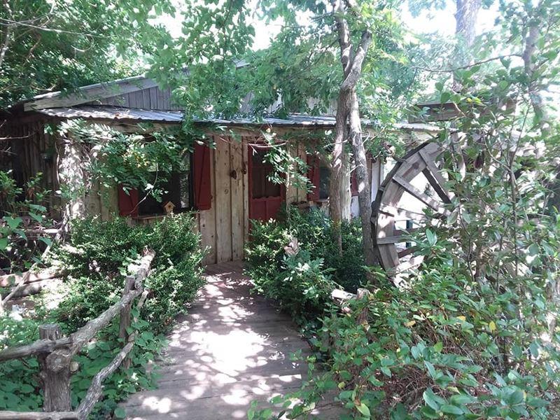 Cozy,Secluded Cabin Pond,Wet : Dennard : Van Buren County : Arkansas
