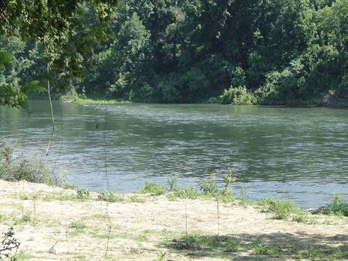 White River Frontage In Arkansas : Calico Rock : Baxter County : Arkansas