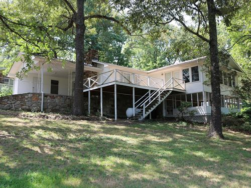 Home Overlooking Crown Lake : Horseshoe Bend : Izard County : Arkansas
