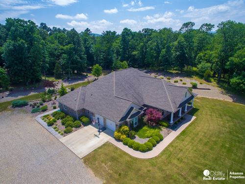 Home With Acreage in Arkansas : Mena : Polk County : Arkansas