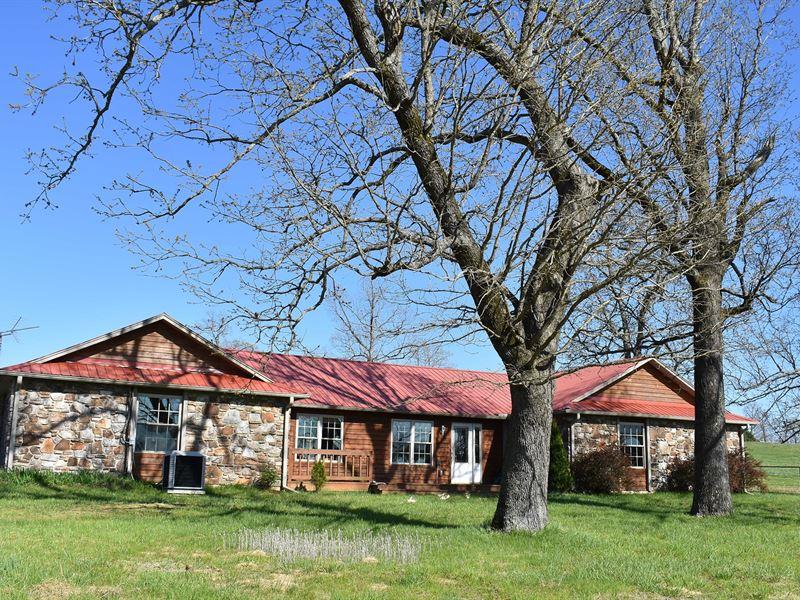Arkansas Ozarks Horse Ranch Salem : Sturkie : Fulton County : Arkansas