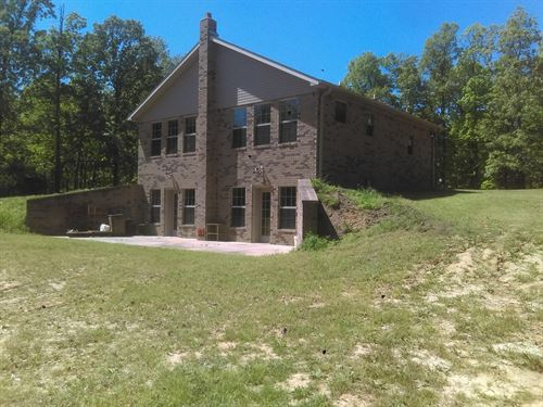 Brick Home Basement 53 Acres : Lafe : Clay County : Arkansas