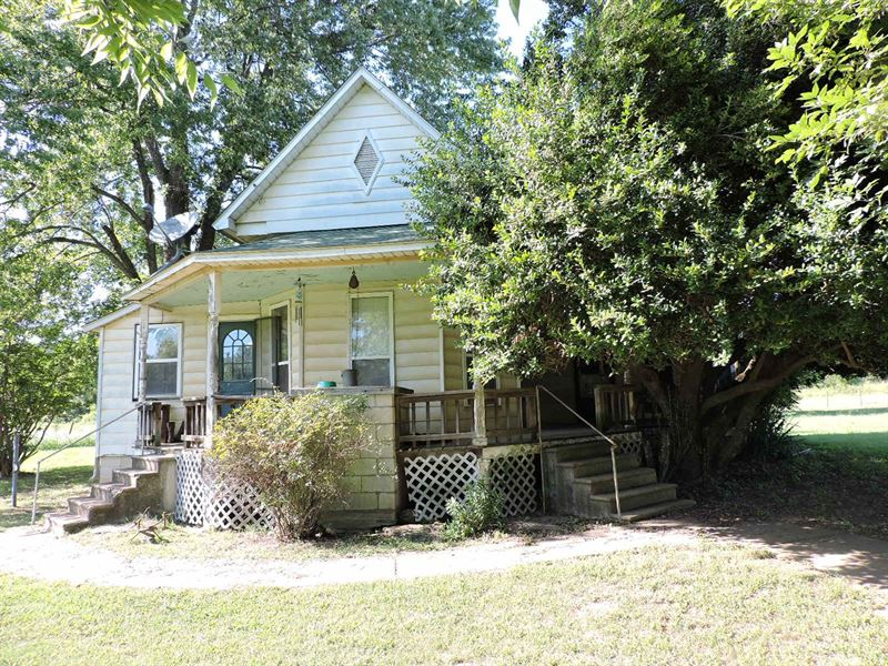 Historical Victorian Style Country : Waldron : Scott County : Arkansas