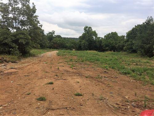Get The Ozark Farm Life : Yellville : Marion County : Arkansas