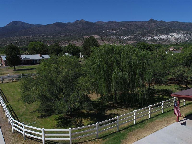 Home, Horse Property, Barn Pasture : Camp Verde : Yavapai County : Arizona