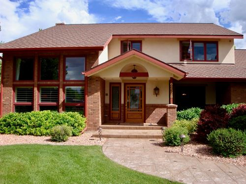 Montrose Colorado Luxury Horse : Montrose : Colorado