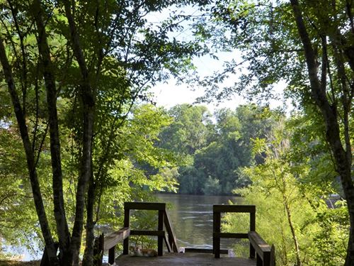 Suwannee River Retreat : Bell : Gilchrist County : Florida