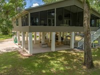 Suwannee River Home Riverfront : Branford : Dixie County : Florida