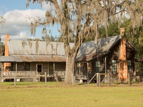 Old Florida Homestead North Florida : Live Oak : Suwannee County : Florida