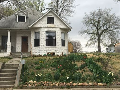 Bungalow For Sale College Town : Atchison : Kansas